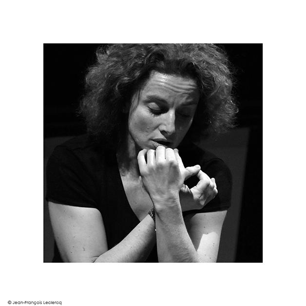 Emmanuelle-Haim-2